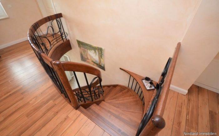 Treppe und Galerie im Obergeschoss