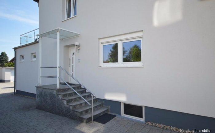 Separater Eingang zu den Wohnungen