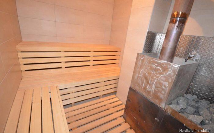 finnische Sauna mit Wasseranschluß und Fußbodenablauf