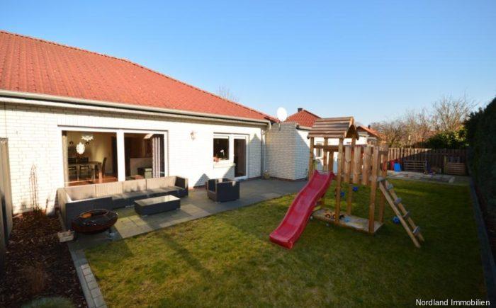 Gartenansicht der großen Wohnung mit 141,52 qm
