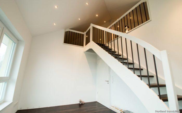 Kinderzimmer Treppe zum Spitzb.png