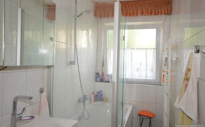 Tageslichtbad mit Badewanne