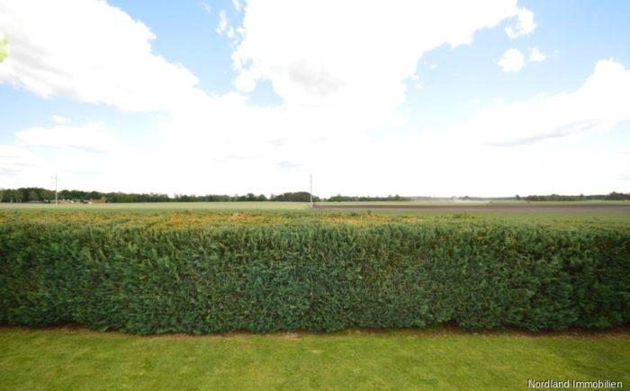 Garten mit Blick über die Felder