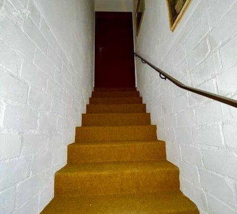 Treppenaufgang zur Einliegerwohnung