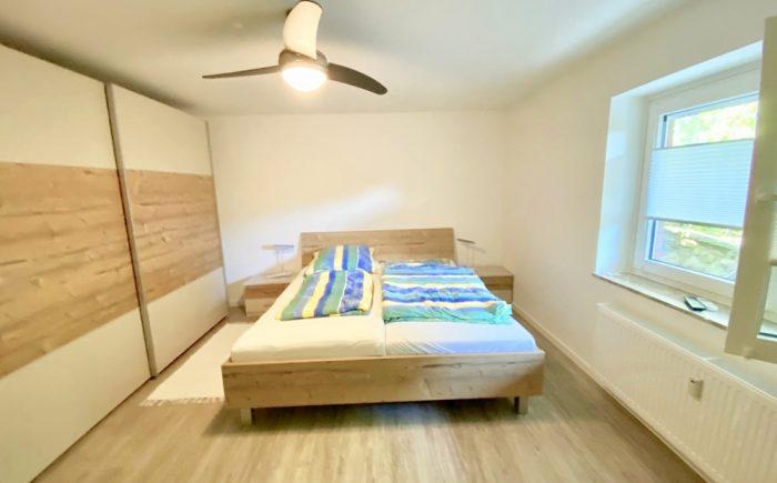 Schlafzimmer Souterrainwohnun